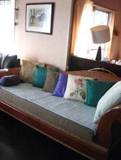 sofa1027.jpg